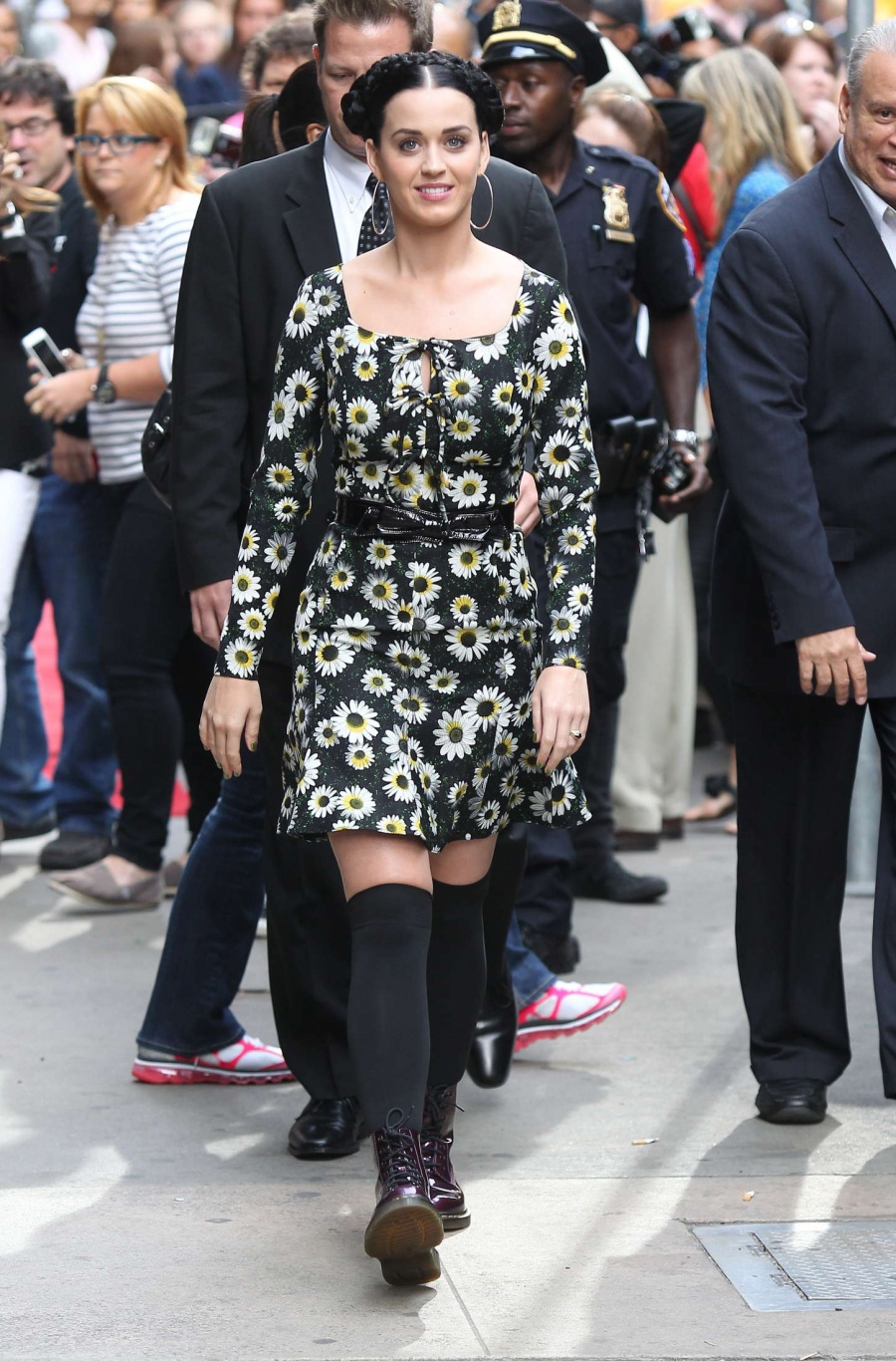 Katy-Perry-Comes-Over-Good-Morning-America
